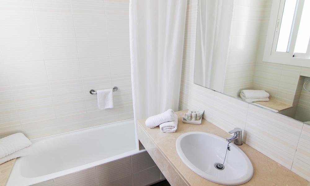 Chambre double standard - Hotel Capri